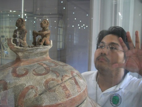 Adoring the Manunggul Jar at the National Museum and learning about the common culture and belief of all Austronesians, the ancestors of Filipinos.