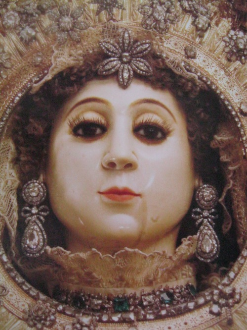 "Nuestra Señora del Santissimo Rosario de La Naval de Manila, kuha ni Aldwin Ong mula sa aklat na ""The Saga of La Naval:  Triumph of a People's Faith."""