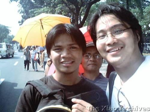 Si Xiao Chua kasama si Angelo Tabaquero.