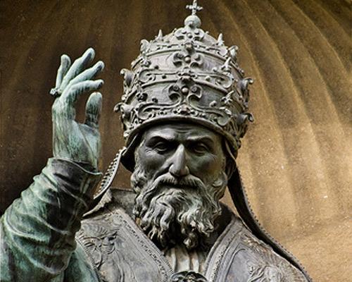 Monumneto para kay Gregorio XIII