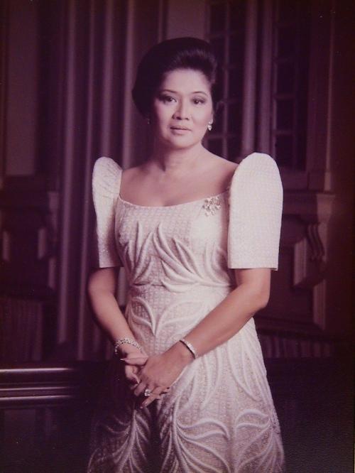 Gobernador  Imelda Remedios Visitación Romuáldez Marcos noong Unang Ginang pa ng Pilipinas.  Larawan mula sa Marcos Presidential Center.