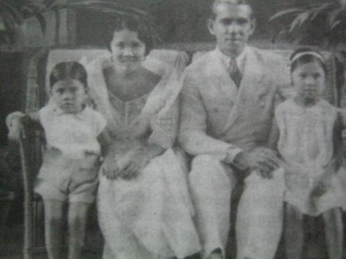 Ang pamilya Escoda.  Mula sa Warsaw of Asia:  The Rape of Manila.