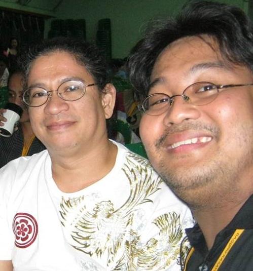 Si Xiao Chua kasama ni Dr. Armand Mijares.