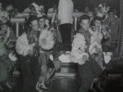 Si Dolphy habang nagsasayaw, isang OFW sa Hongkong noong Dekada 1950s.  Mula sa Dolphy:  Hindi Ko Ito Narating ng Mag-isa, sariling talambuhay ni Dolphy na inedit ni Bibeth Orteza.
