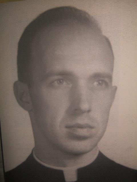 Padre John Schumacher.  Mula sa Philippine Studies.