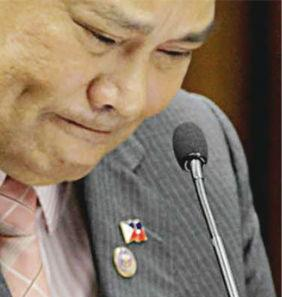 Si CJ Corona habang nasa witness stand, 22 May 2012.