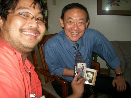 Si Xiao at ang aydol niya na si José Mari Chan.