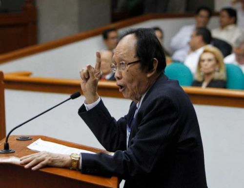 Ang abogado ng depensa na si dating hurado Serafin R. Cuevas