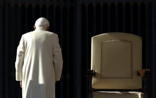 Ngayon pa lang magkakaroon ng Santo Papa na bibitawan ang kanyang trono matapos ang anim na daang taon.