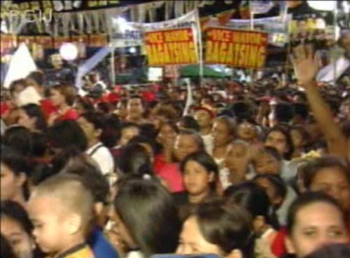 Ang ikatlong panahon sa Pilipinas:  Ang eleksyon.  Mula sa Papogi ng PCIJ.