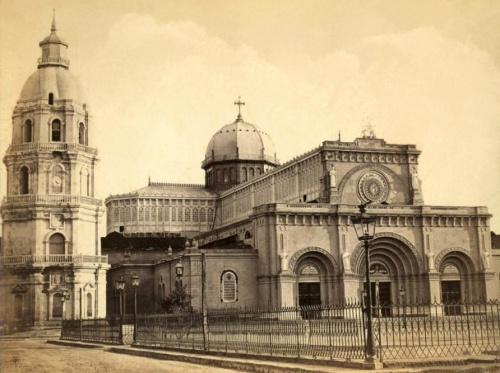 Katedral ng Maynila bago ang lindol ng 1880.