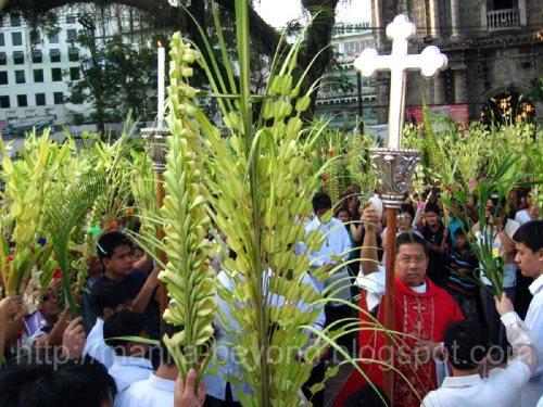 Domingo de Ramos sa Pilipinas.  Mula sa manila-beyond.blogspot.com.