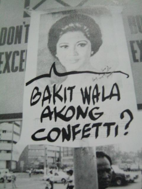 Poster na nantutuya kay Gng. Imelda Marcos.  Mula sa Nine Letters.