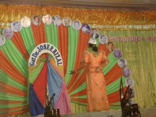 Ang pakikipag-usap ni Reyna Yolanda sa espiritu.  Calamba, Laguna, June 18, 2009.