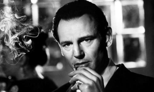Liam Neeson bilang si Oskar Schiendler.