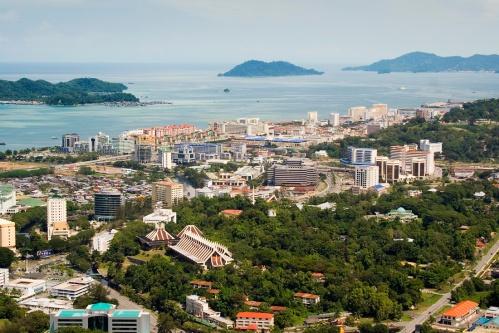 Kota Kinabalu, North Borneo.  Mula sa Wikipedia.