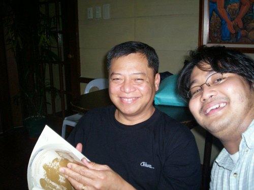 Si Xiao Chua kasama si Dr. Patricio Abinales.