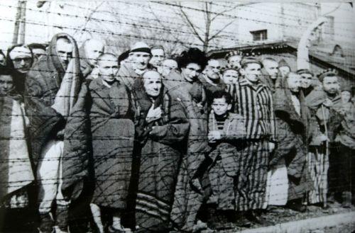 Ang mga Hudyo sa loob ng concentrations camps noong Shoah.