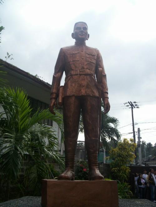 Heneral Paciano Rizal, monumneto sa kaniyang tahanan sa Los Banos, Laguna.  Kuha ni Xiao Chua