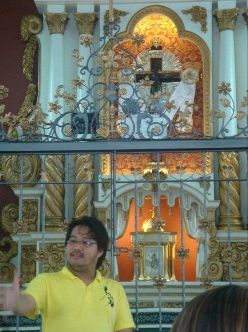 Altar ng kapilya ng banal na krus.