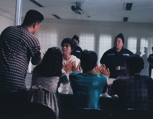Ang pagkikits ni Flor at ang kanyang mga anak.  Pagsasadula ng the Flor Contemplacion Story.