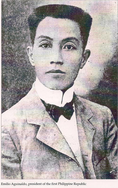 Emilio Aguinaldo, Pangulo ng Unang Republika ng Pilipinas.  Mula sa Great Lives Series.
