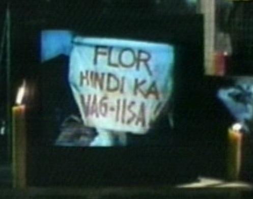 Tulad ng bayani si Ninoy, hindi naig-iisa si Flor.  Nakiisa sa kanya ang bayan.  Mula sa The Flor Contemplacion Story.