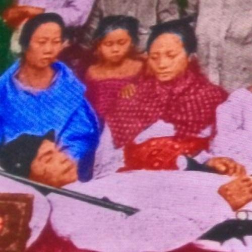 Ang buntis na babae na malungkot na nakatitig ay si Catalina de Jesus. Mula kay Dr. Ambeth Ocampo.