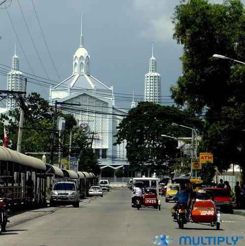 Ang bahay sambahan ng Distrito Eklesiyastiko ng Tarlac sa Lungsod ng Tarlac.