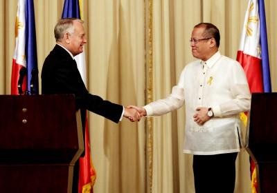 Si Pangulong Noynoy Aquino at ang bumisitang Primer Ministro ng Pransya Jean-Marc Ayrault, Oktubre 2012.
