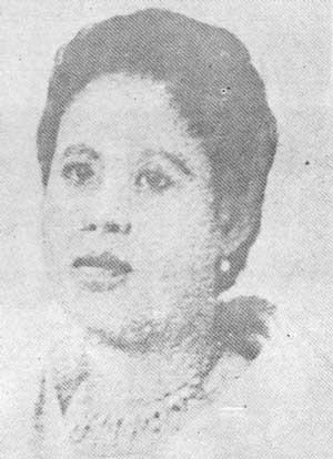 Leonor Valenzuela.  Mula sa Lolo Jose.