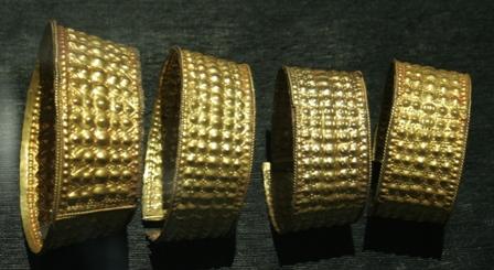 Set of graduated armbands with pattern of raised dots (Bangko Sentral ng Pilipinas Collection)