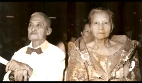 Mas matandang Don Pio at ang kanyang maybahay.