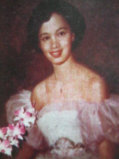 Maria Corazon Sumulong-Cojuangco (Aquino), regalo ni Ninoy.