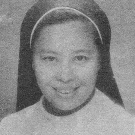 Sister Mary John Mananzan ng St. Scholastica's College, nakilahok sa Strike ng La Tondena.  Mula sa Koleksyong Dante Ambrosio sa Sinupan ng Aklatang Xiao Chua.