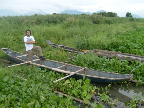 Xiao Chua sa Pinagbayanan, ang lumubog na dating lokasyon ng La Nob le Villa de Pila kung saan inilimbag ang Vocabulario ni San Buenaventura, 30 May 2009.  Kuha ni Ayshia F. Kunting.