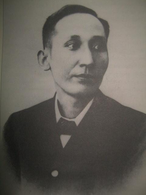 Aktwal na larawan ni Mabini noong 1894.  Nakakalakad pa siya rito.