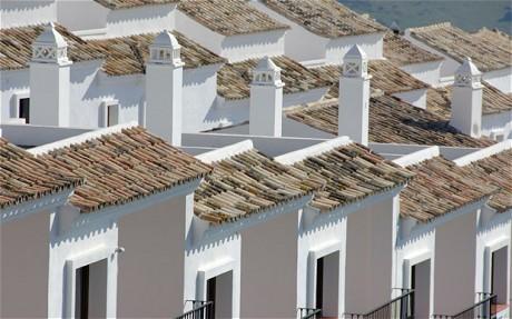 Spanish houses.  Mula sa i.teegraph.co.uk.