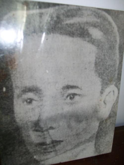 Isang pambihirang larawan ni Apolinario Mabini na hindi gaanong nalalathala.  Mula sa Dambanang Pangkasaysayang Mabini sa Tanauan, Batangas.