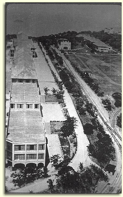 Ang Topside Barracks, sinehan atbp. bago ang digmaan.  Mula sa corregidor.org.