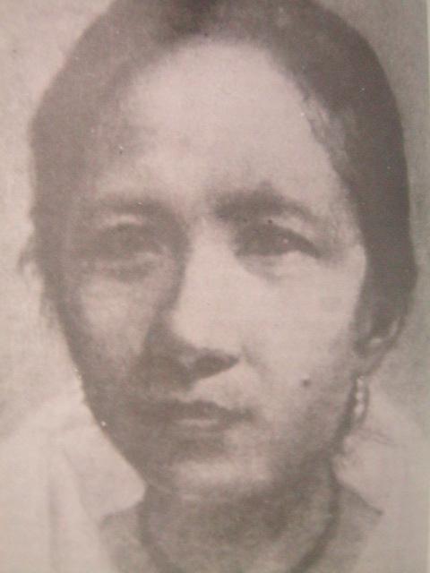 Mula sa Women of the Revolution.