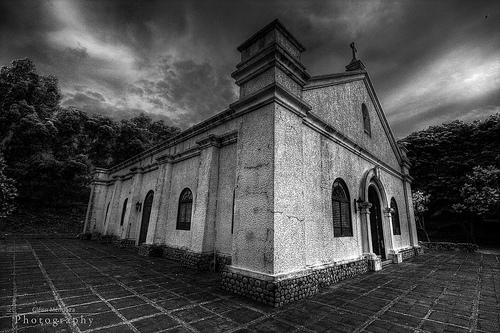 Ang replica ng chapel na itinayo mula sa dating kinalalagyan nito bago pulbusin ng digmaan.