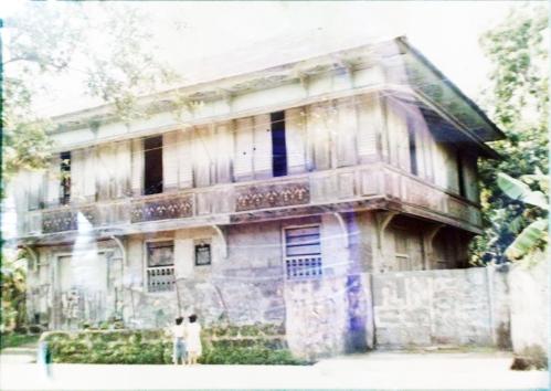 Ang matandang bahay sa Maragondon kung saan nilitis ang Supremo Andres Bonifacio.  Mula sa Pambansang Komisyong Pangkasaysayan ng Pilipinas.