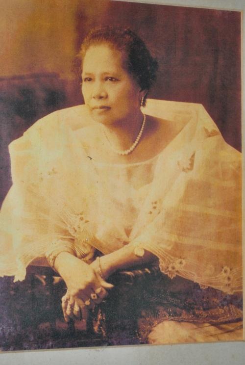 Petrona Nakpil.  Mula a Bahay Nakpil-Bautista.