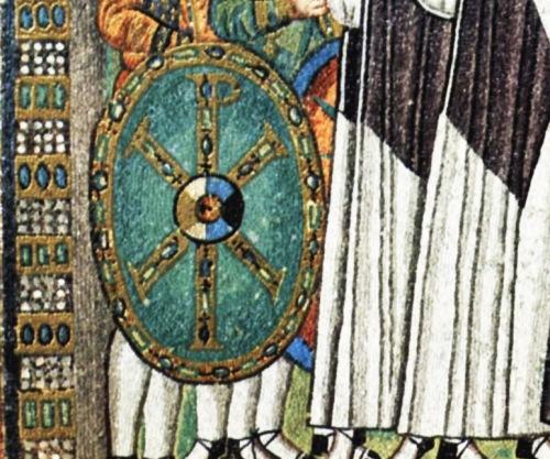 Ang kalasag ng mga kawal ni Konstantino.  Mula sa sacredsymbolic.com.