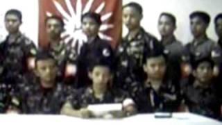 """Ang pangkat na Bagong Katipunan na tinawag ng press na """"Magdalo"""" group dahil sa kanilang bandila."""