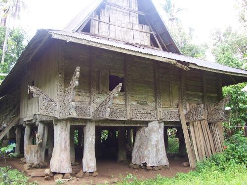 Torogan, palasyo ng mga datu sa Lanao noong unang panahon.  Mula kay Allan ng fieldchronicles.wordpress.com.