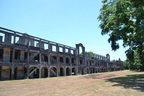 Topside (Mile Long) Barracks ngayon.