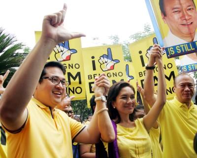 Mga katiket na sina Bam Aquino, Risa Hontiveros at Jun Magsaysay, 2013.