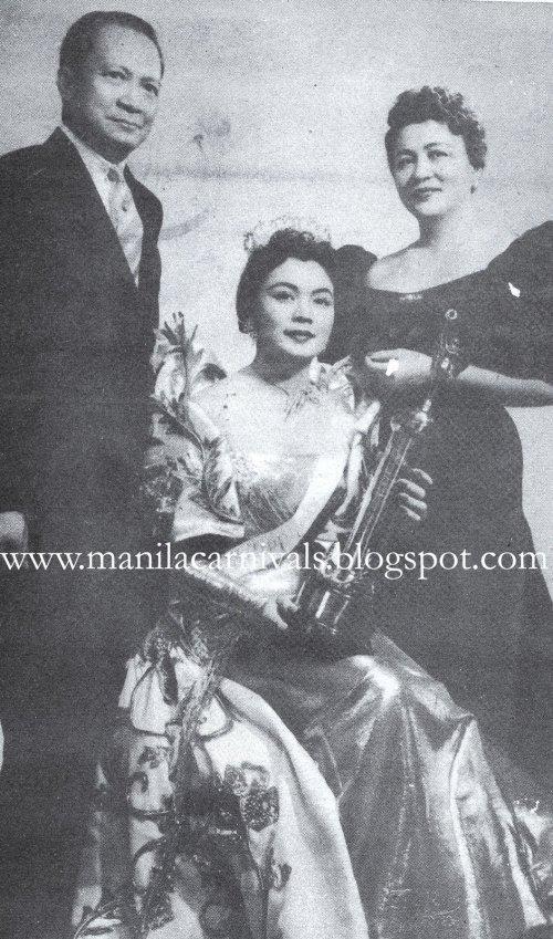 Merced Edith Nakpil Rabat bilang Ms Philippines 1955 kasama ng kanyang Manila Carnival Queen na inang si Anita Noble-Nakpil at kanyang amang si Arkitekto Juan Nakpil.  Mula sa manilacarnivals.blogspot.com at Miss Joyce Burton Titular.